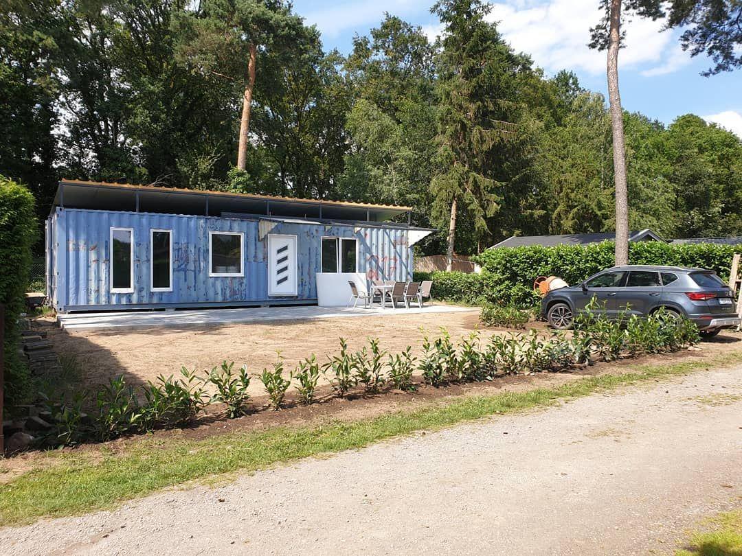Dieses Wochenende Haben Wir Die Terrasse Fertig Gebaut Kirschlorbeer Gepflanzt Und Den Garten Halbwegs Gerade Gezogen Der Container Soll In Der Ersten Juli W