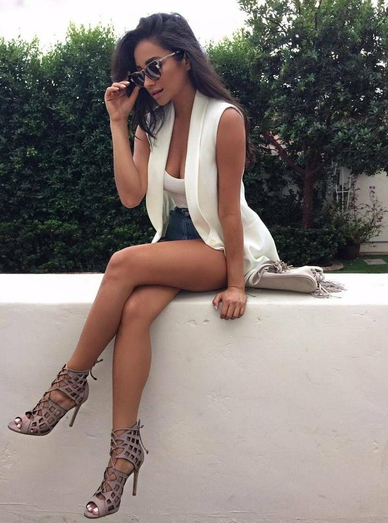 Those Legs Of Shay Mitchell  Shay Mitchell Style, Fashion -6785