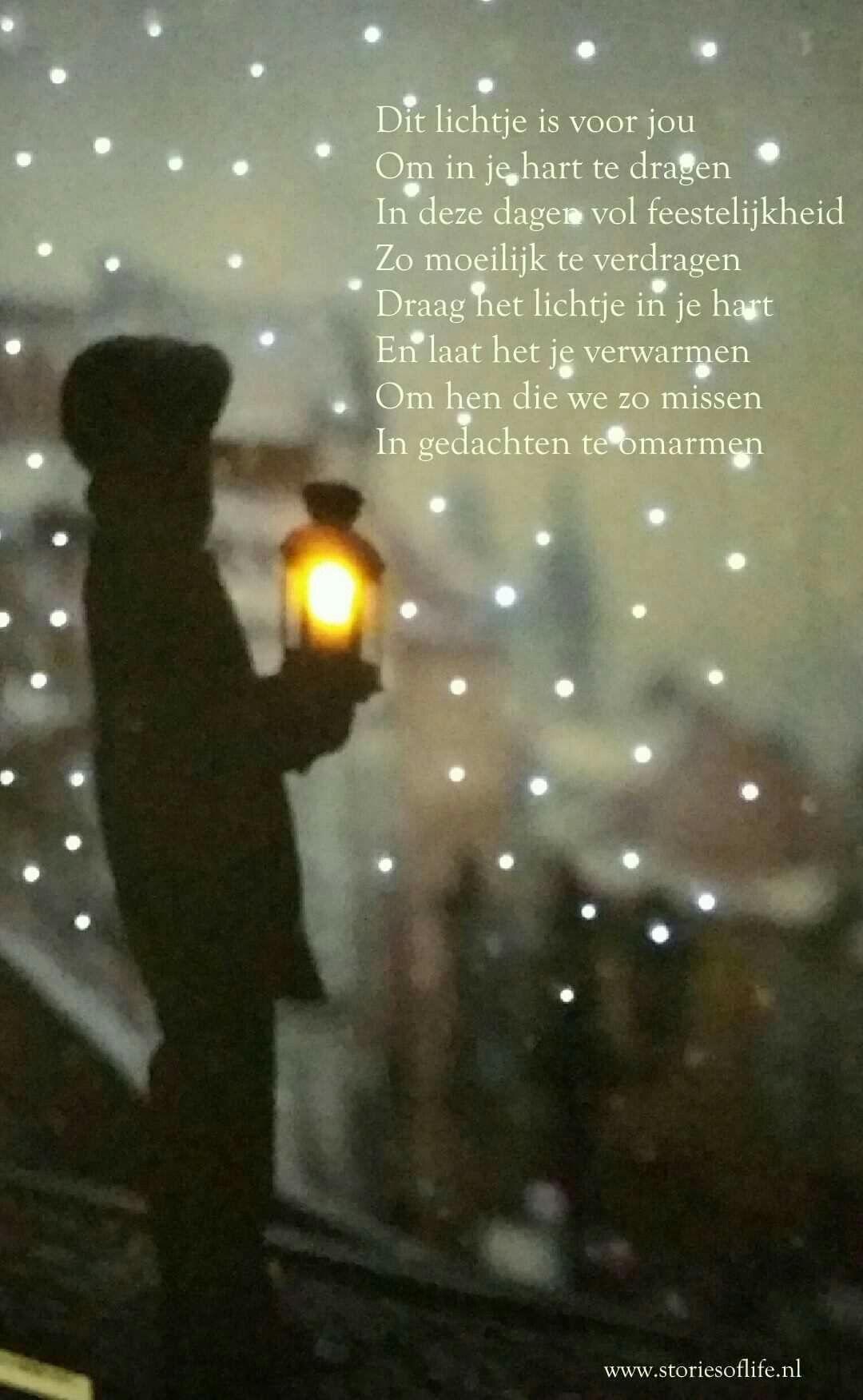 Dit lichtje is voor jou. Om in je hart te dragen. In deze dagen vol feestelijkheid. Zo moeilijk te verdragen. Draag het lichtje in je hart. En laat het je verwarmen. Om hen die we zo missen. In gedachten te omarmen. #knuffelvoorjou