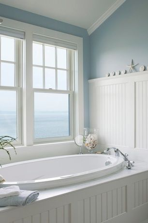 Cottage Master Bathroom With High Ceiling Beadboard Wainscotting Crown Molding Master Bathroom House Bathroom Bathroom Design Beautiful Bathrooms