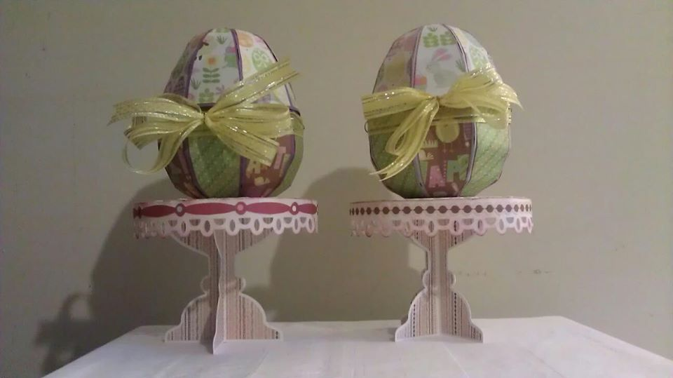 3D Easter Egg boxes made by my friend Denise. Check out her blog at: http://www.papercre8tions.com/