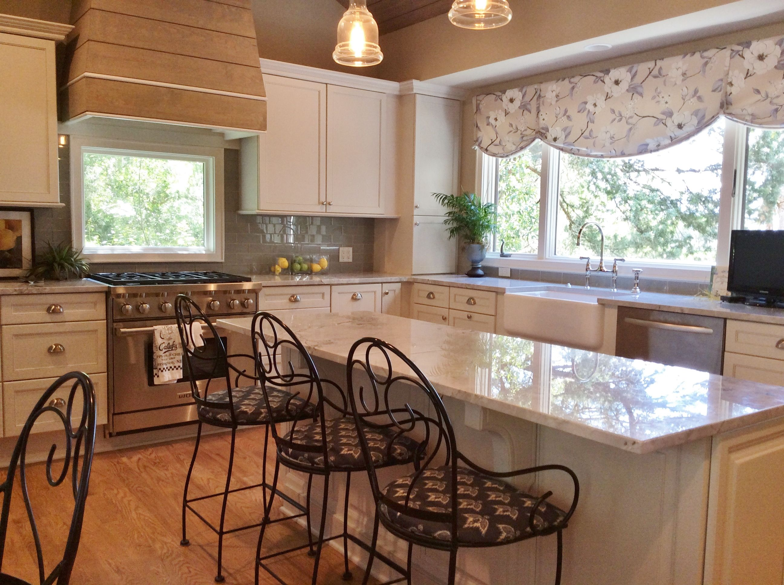 Complete Kitchen rehab: Added shiplap siding to ceiling and range ...