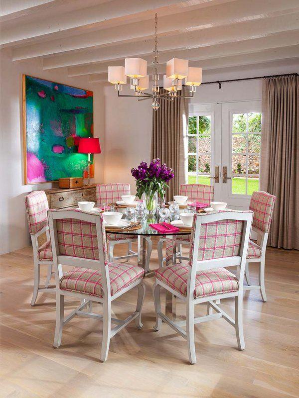 Una Casa Elegante Y Con Color