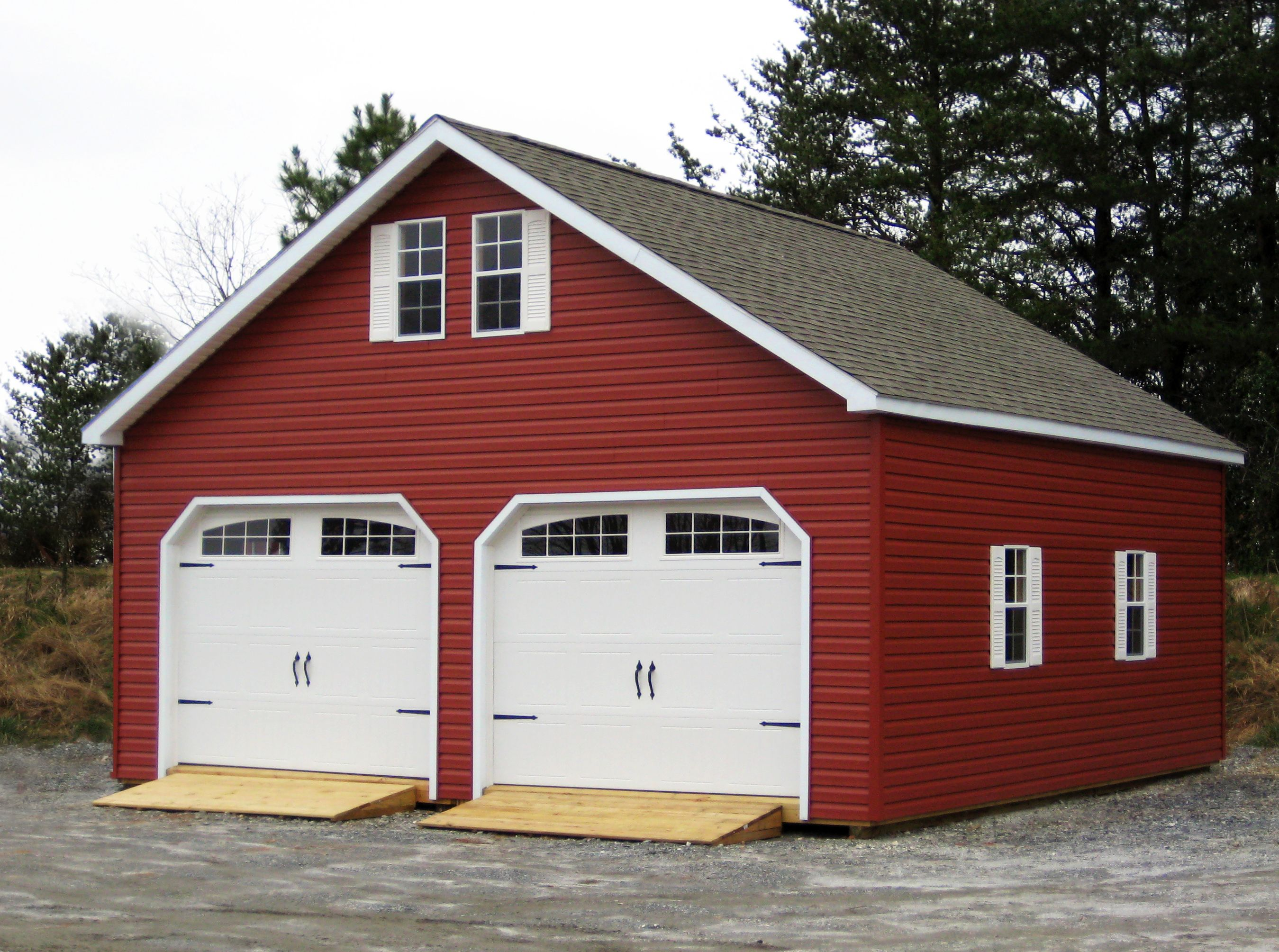 Black Barn Garage : Classy garage with red vinyl siding garages woodtex