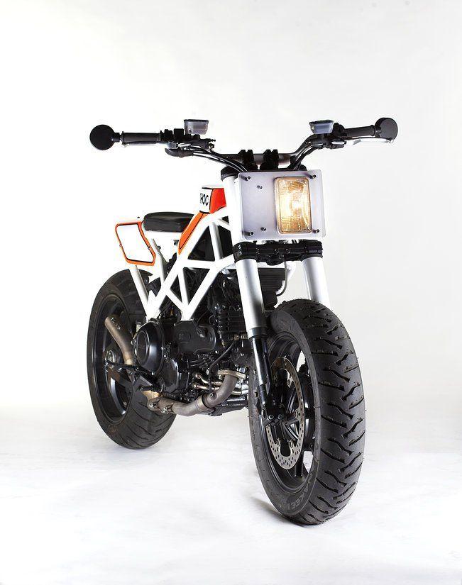 Ad Hoc Haptica Ducati. Asceta w miejsce rasowego turysty