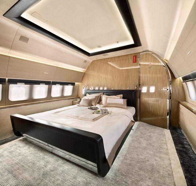 The Master Private Bedroom Boeing 737 Bbj Http Www Jetradar Com Marker 126022 Private Jet Interior Luxury Private Jets Private Jet
