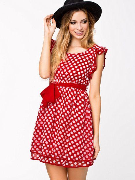 Inez Dress - Catwalk88 - Punainen - Mekot - Vaatteet - Nainen - Nelly.com