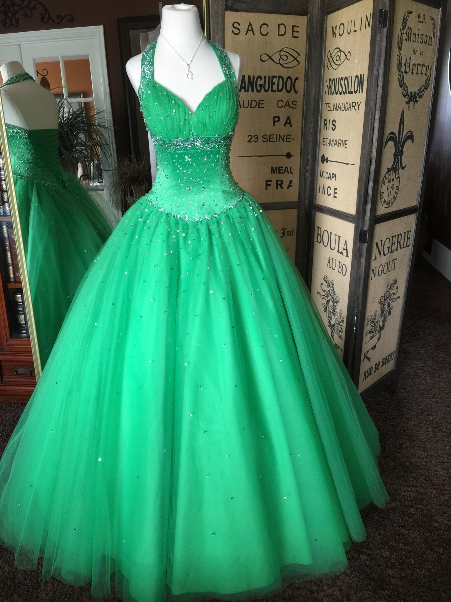 04 0069 Size 4 Dresses Prom Dress Rental Dress Rental