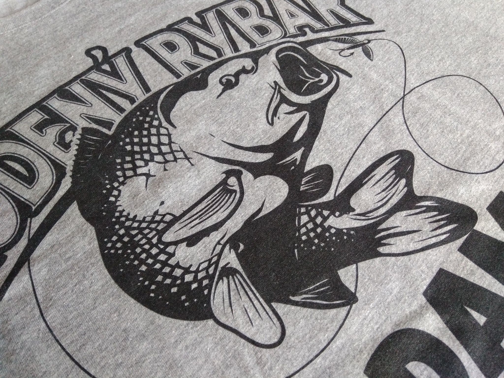 e52b0cce9ecf Rodený rybár - tričko pre rybára - meno je možné upraviť!