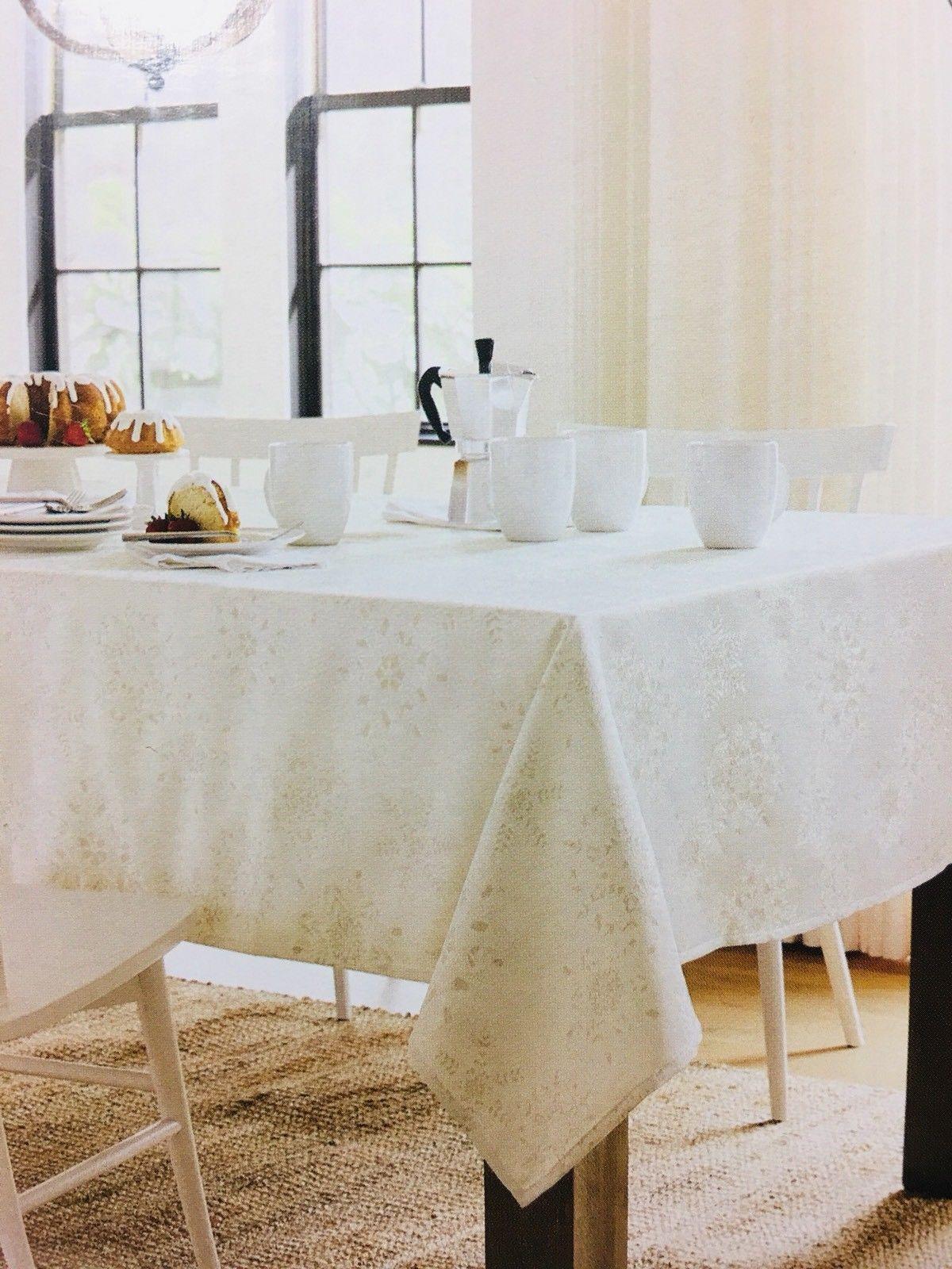 Threshold Christmas Metallic White Snowflake Oblong Tablecloth 60 X 84