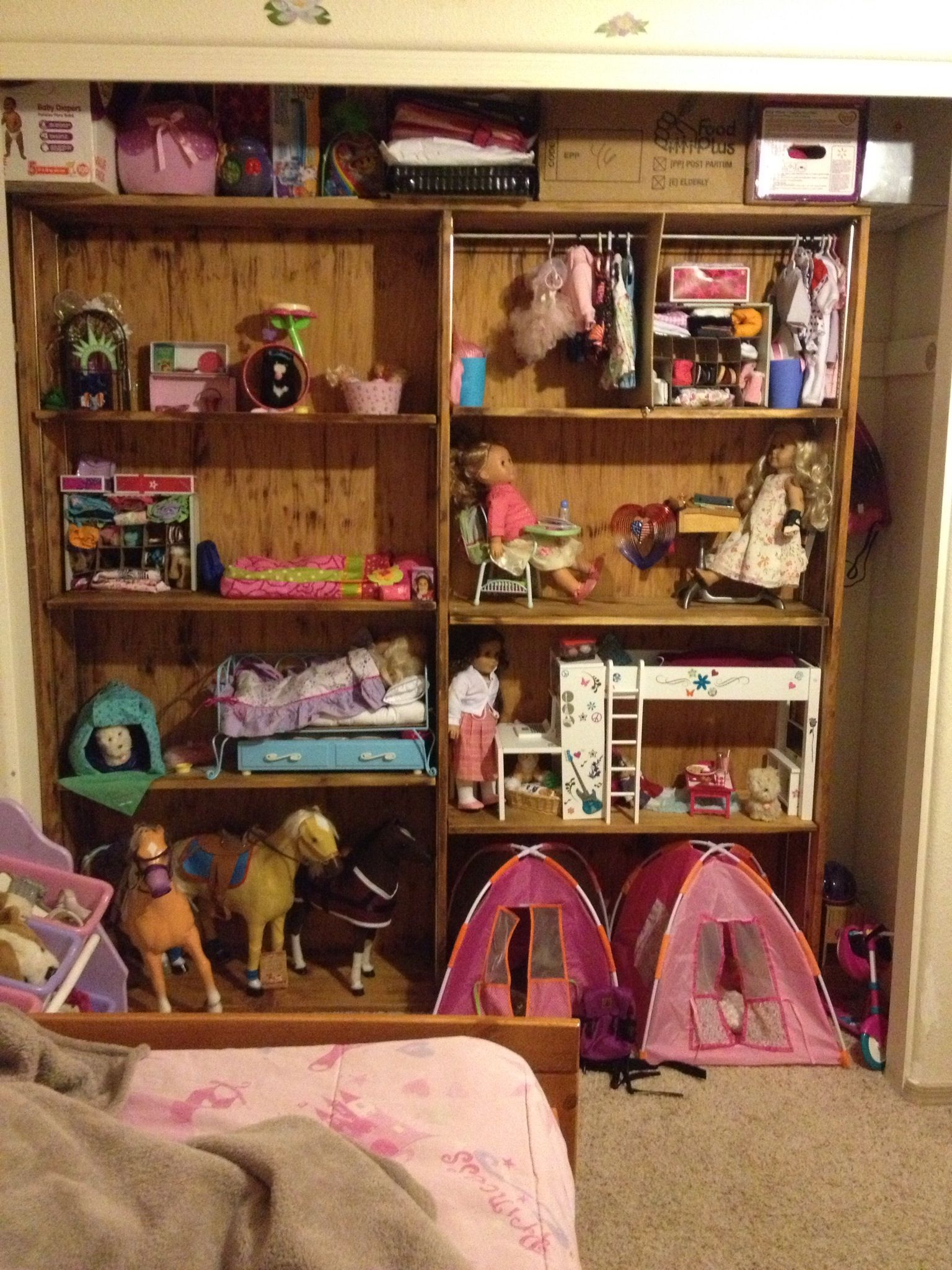 DIY American Girl House...... use a white bookshelf! doubles