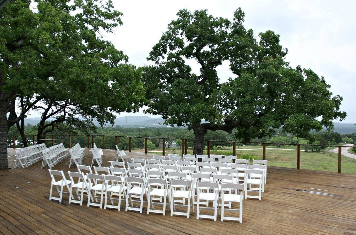 Enjoy This Gorgeous Hill Country Wedding Venue Located Just 45 Min From Austin Perfect For Any Event Party Or Wedding And Able To Accom Wedding Venues Wedding