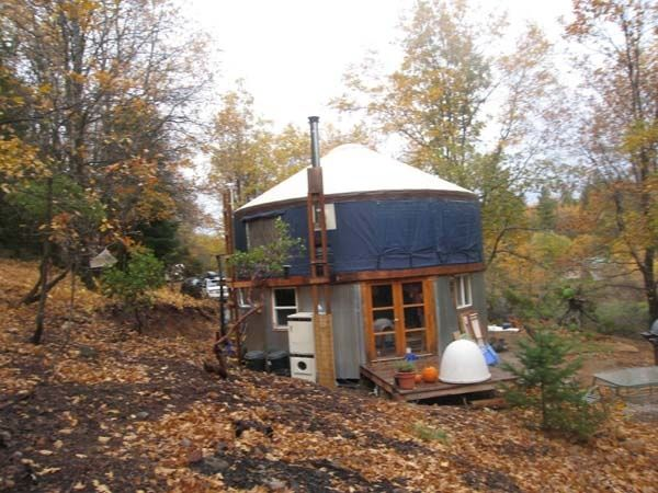 Yurt On Top Of Tin Sided Build Small House Exteriors Yurt Home