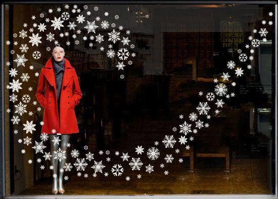 Window Posca Art On Pinterest Christmas Windows Shop Windows Christmas Window Display Christmas Window Decorations Christmas Display