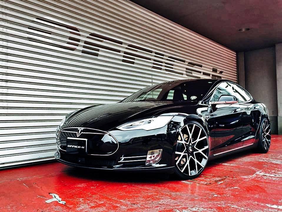 Office K Tesla Model S Gets Forgiato Wheels Carros De Luxo