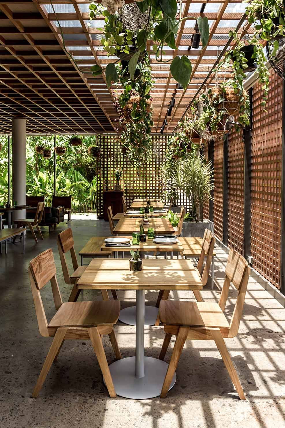 THE SLOW Outdoor restaurant design, Restaurant interior