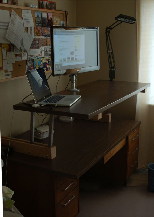 Hack Your Coffee Table To Have A Lift Up Top Standing Desk Diy