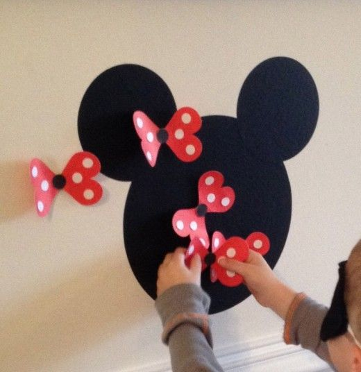 Pin the bow on Minnie Mouse Game Minnie Mouse Party Ideas Tons of party ideas @ www.partyz.co !