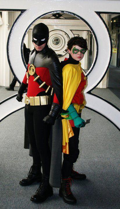 Red Robin (Tim Drake) & Robin (Damian Wayne)