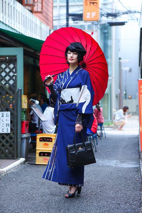 Street snap -- I have a kimono sooooo similar to that!