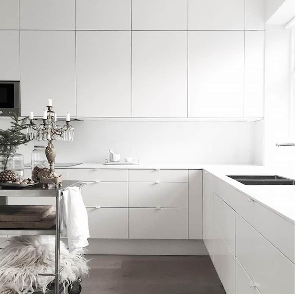 Foto di cucina in stile in stile scandinavo : 50 sfumature di bianco ...