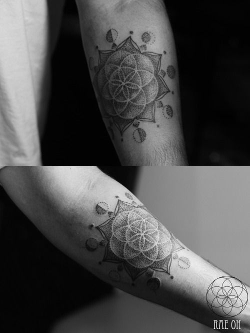 Sacred Geometry Seed Of Life Moon Phases Tattoos Ink Geometry Tattoo Sacred Geometry Tattoo Geometric Tattoo
