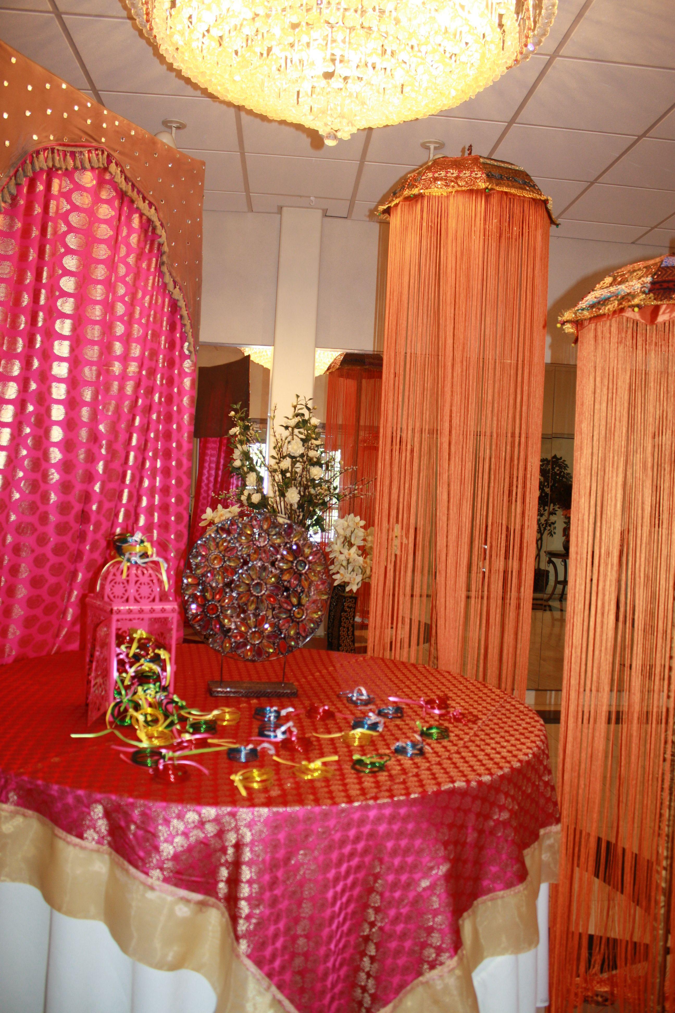 Mehndi Entrance For Bride : Mehndi party entrance welcome table meri shaadi aka