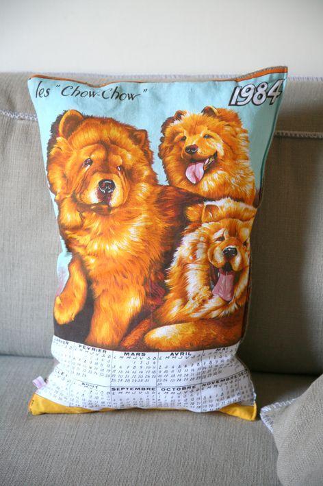 """Numéro 2 de notre collection farfelue de coussins calendriers : """"1984 / les Chow-Chow"""" # madamelabroc"""