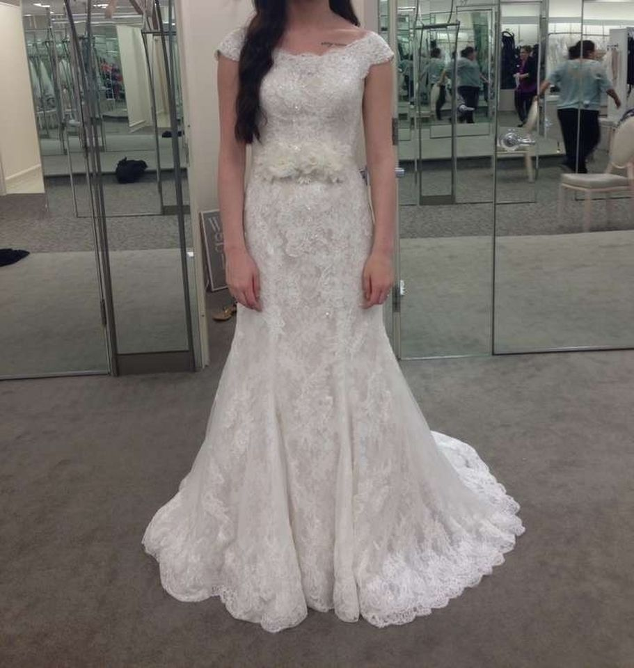 Oleg cassini lace trumpet wedding dress 911 960 for Oleg cassini champagne wedding dress
