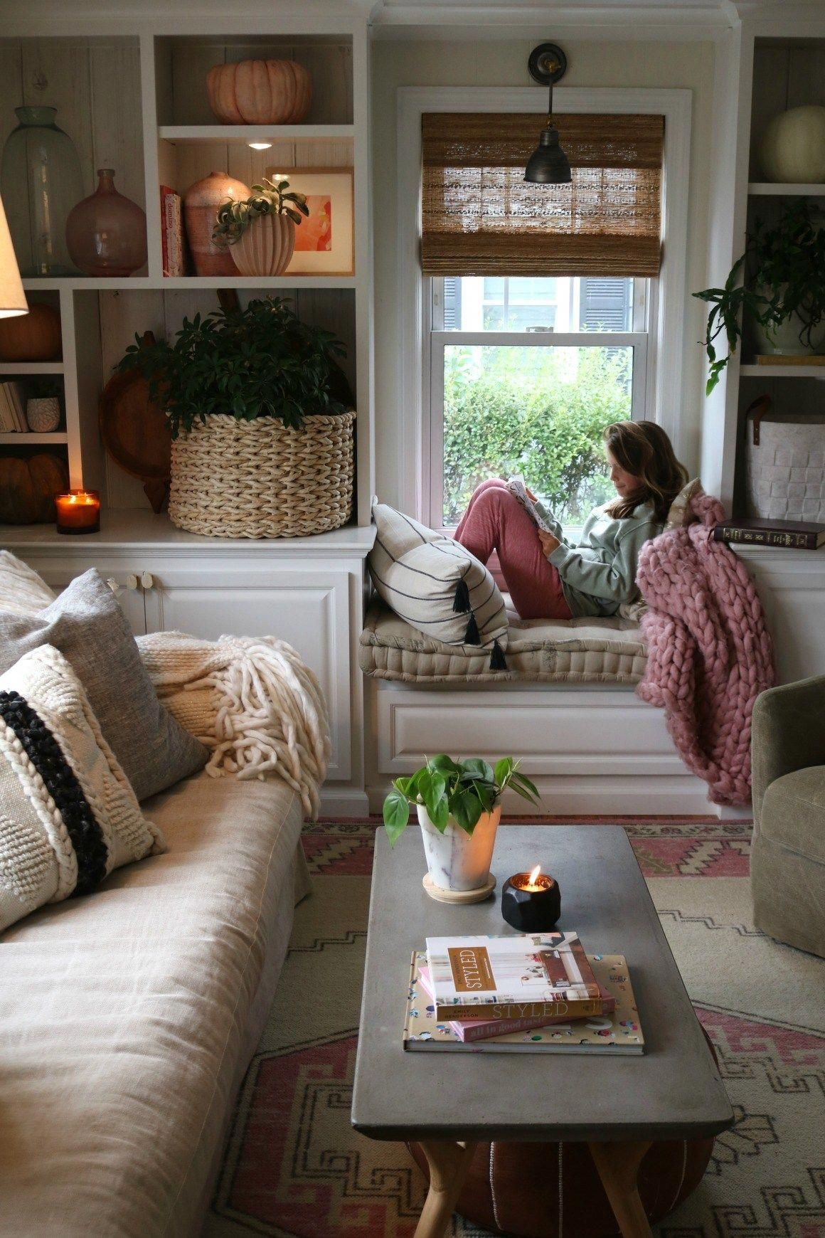 Easy Fall Decorating Ideas In The Living Room Especially Tips For Styling Your Shelves With House Plants Candles Easy Home Decor Room Decor Cheap Home Decor