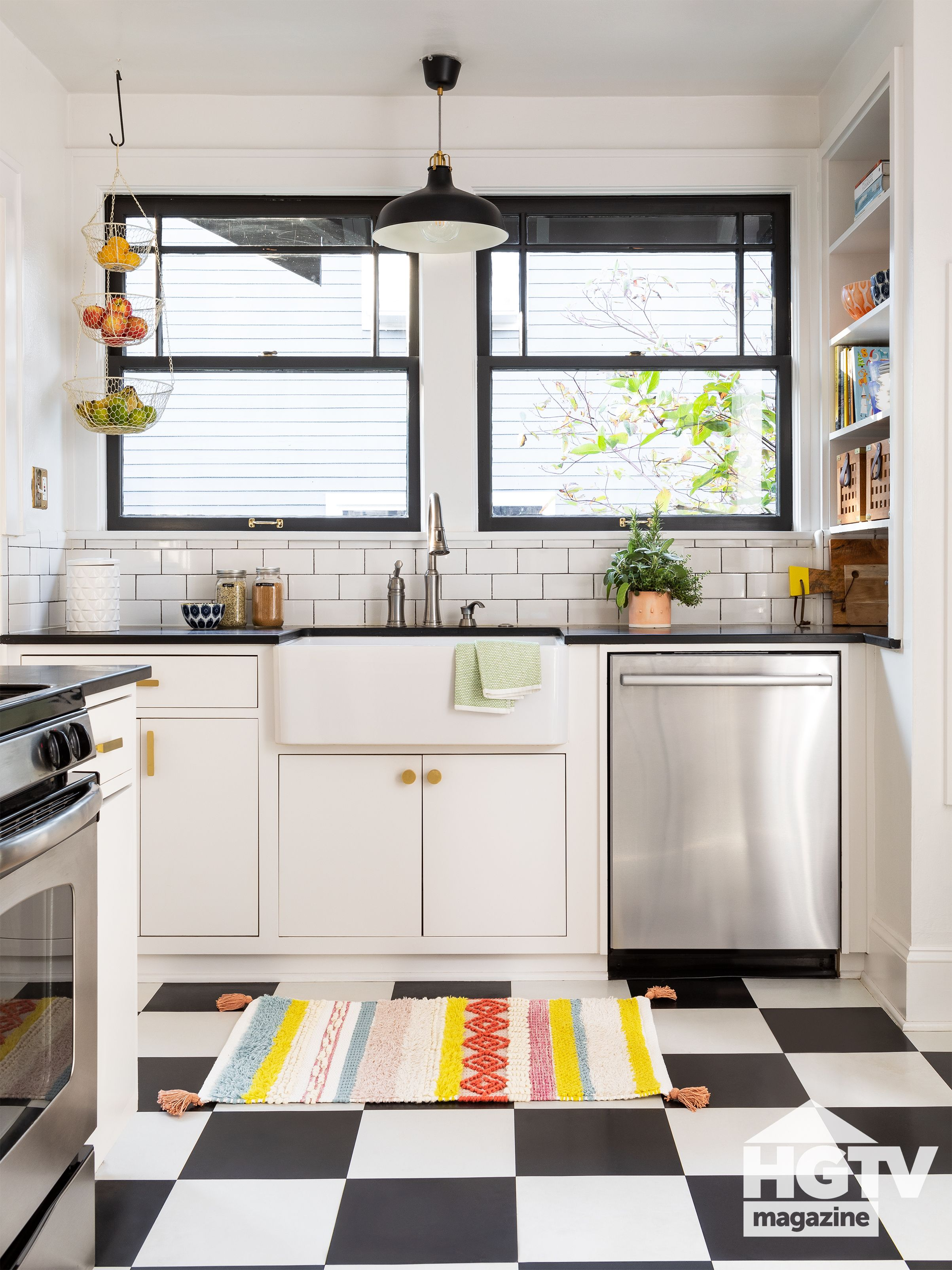 Black And White Kitchen From Hgtv Magazine In 2020 Simple Kitchen Small American Kitchens Kitchen Remodel