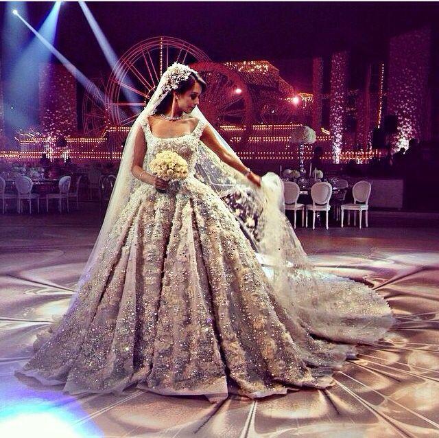 I NEED this to be my wedding dress. #elliesaab