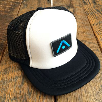 Image of THE MITCHELL SNAPBACK TRUCKER - WHITE & BLACK