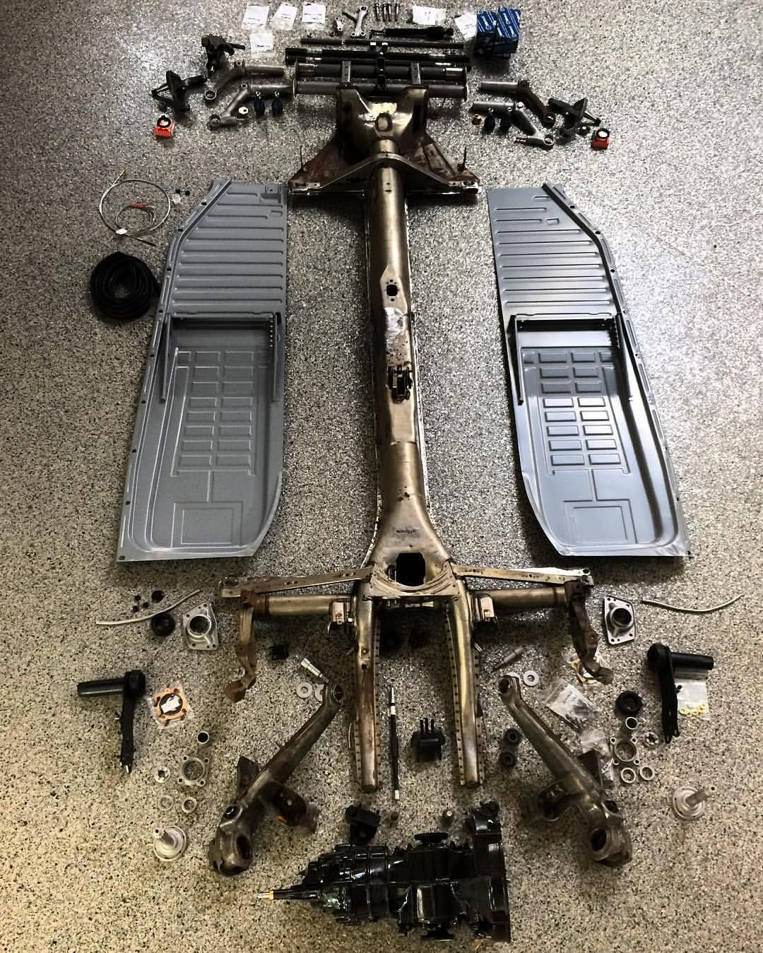 preperation for the ecochassis has begun $4995 for a completepreperation for the ecochassis has begun $4995 for a complete airkewld chassis featuring a shockless probuilt beam, new pan halves from