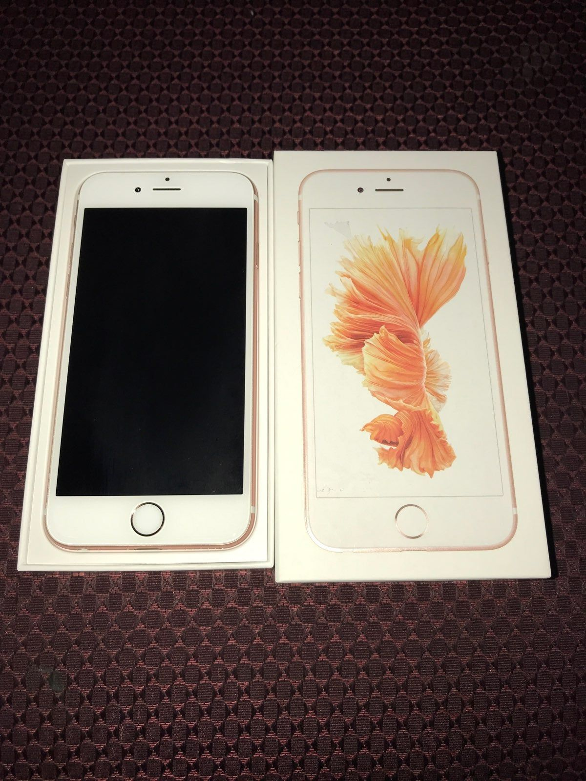 Rose Gold Iphone 6s 32 Gb This Phone Was Bought Brand New Only Ever Used With Metropcs Everything Else Should Be U Iphone Rose Gold Iphone Iphone 6s Rose Gold