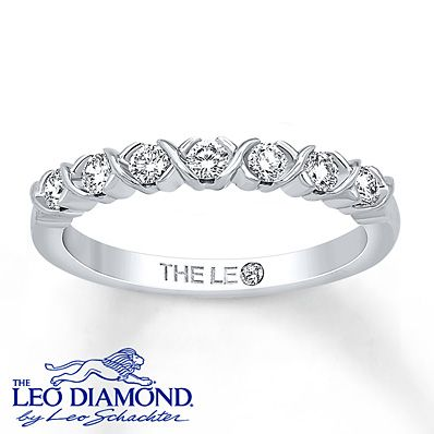 Leo Diamond Band 1/3 ct tw Round-cut 14K White Gold