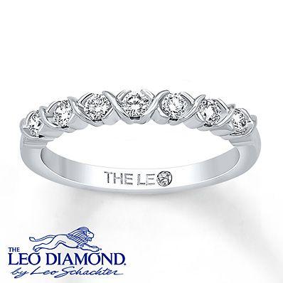 Leo Diamond Band 1/3 ct tw Round-cut 14K White Gold