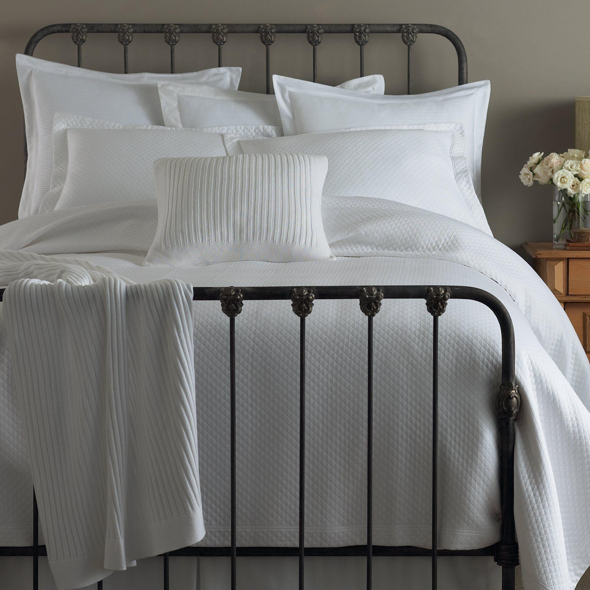 Oxford Matelassé Coverlet Bed, Bedding sets, Luxury bedding