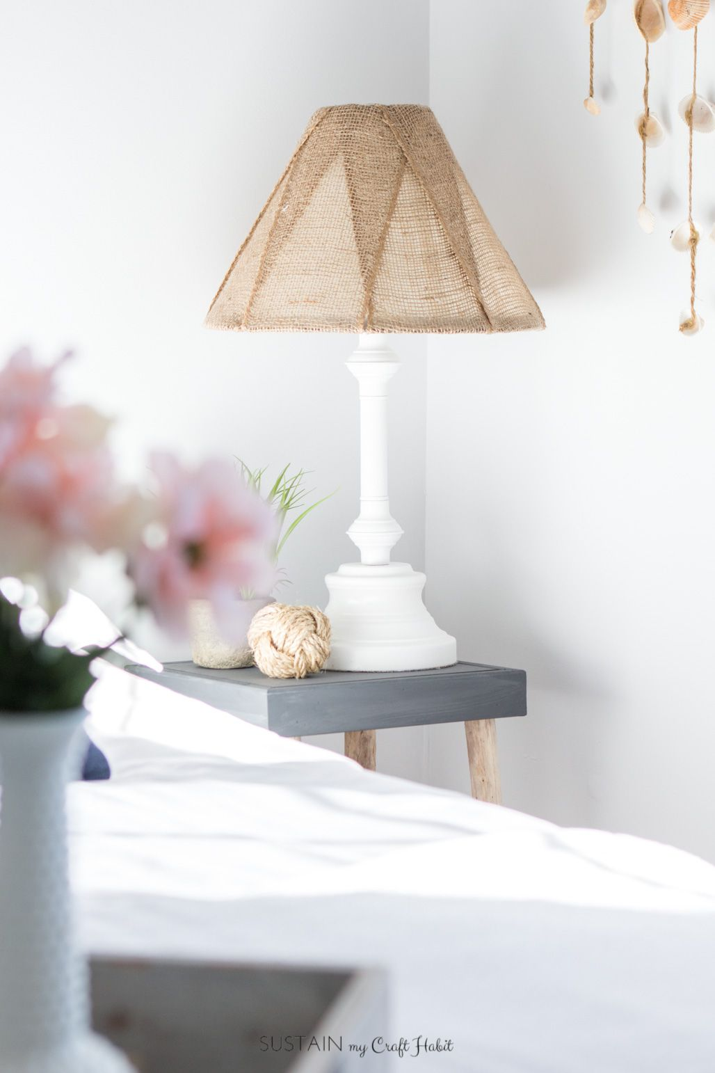 A diy brass lamp makeover with a burlap lampshade avec