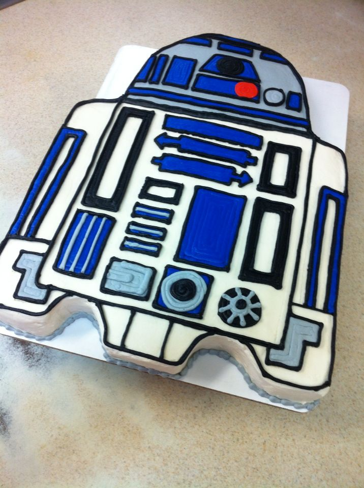R2D2 buttercream birthday cake. Star Wars birthday cake.