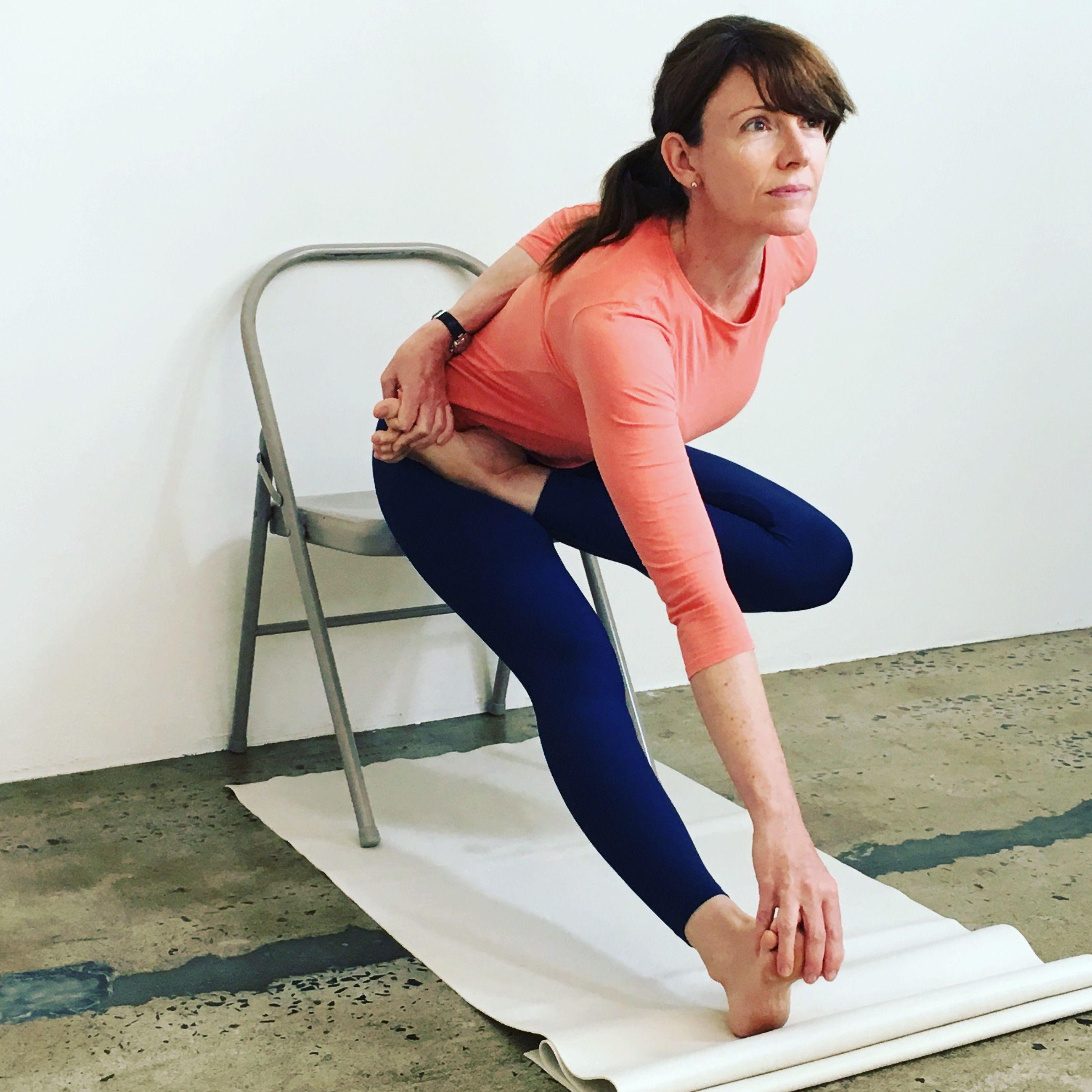 Pin By Tachikoma On Joga Krzesla Joga Cwiczenia Moda