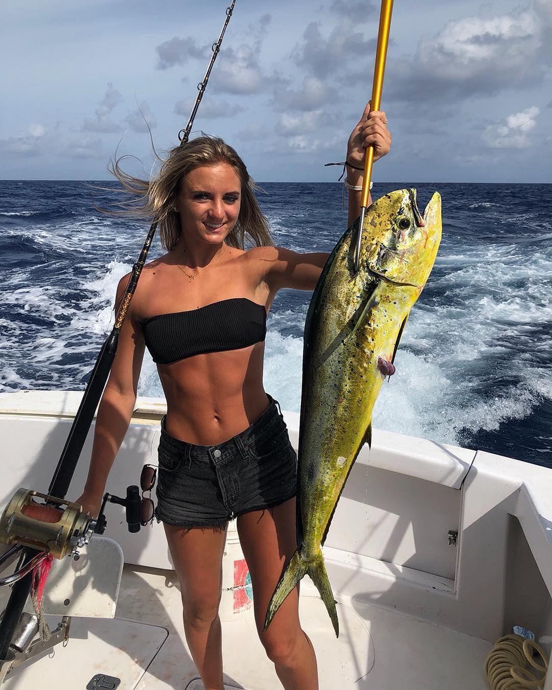 Woah Look At That Mahi By Girlfishingdaily Saltwater Fishing Gear Saltwater Fishing Lures Fishing Pictures
