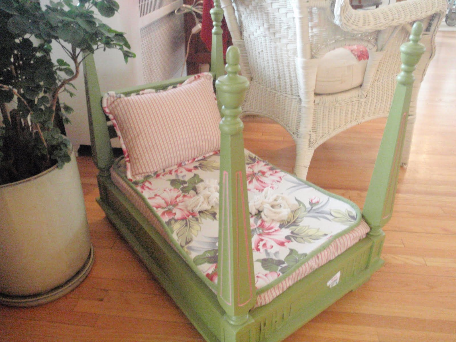 A Dog Bed Made From A Flipped Over Side Table So Cool How To Make Bed Diy Dog Bed Dog Bed