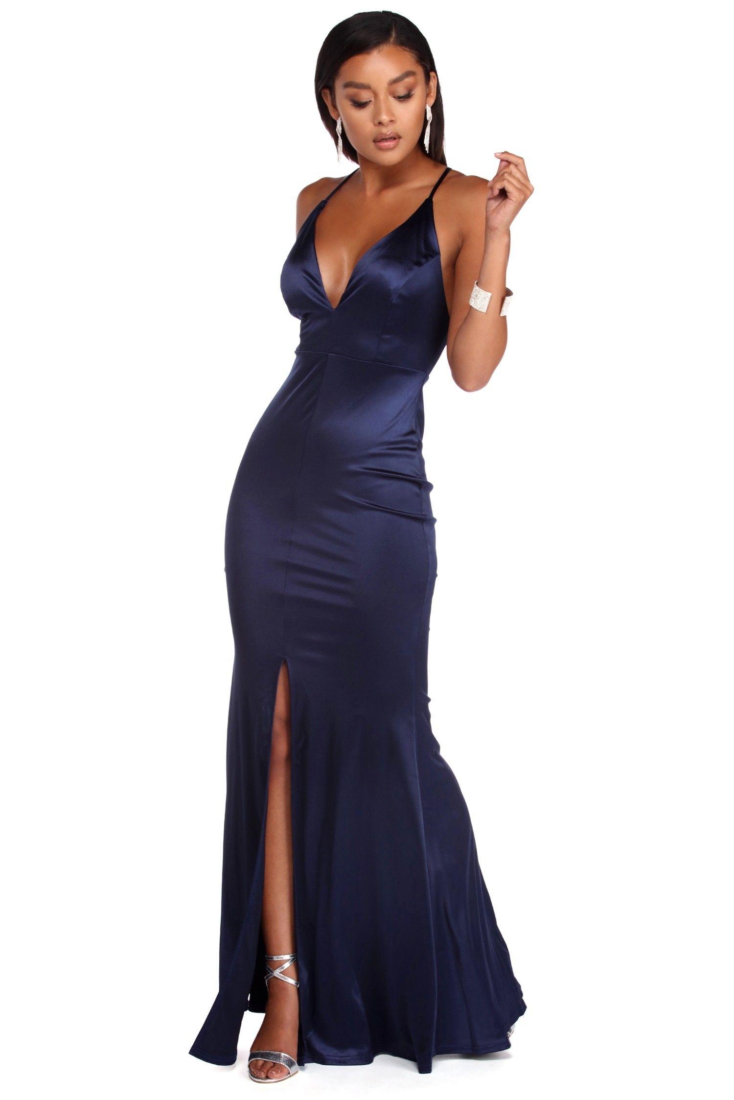 710c4d0d876883 The strap dress - a versatile all-rounder Strap Dress raelynn satin cross  strap dress MRAIGJV