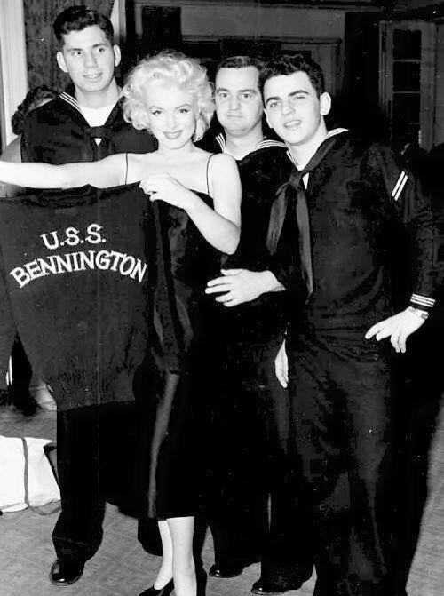 Marilyn and the sailor boys