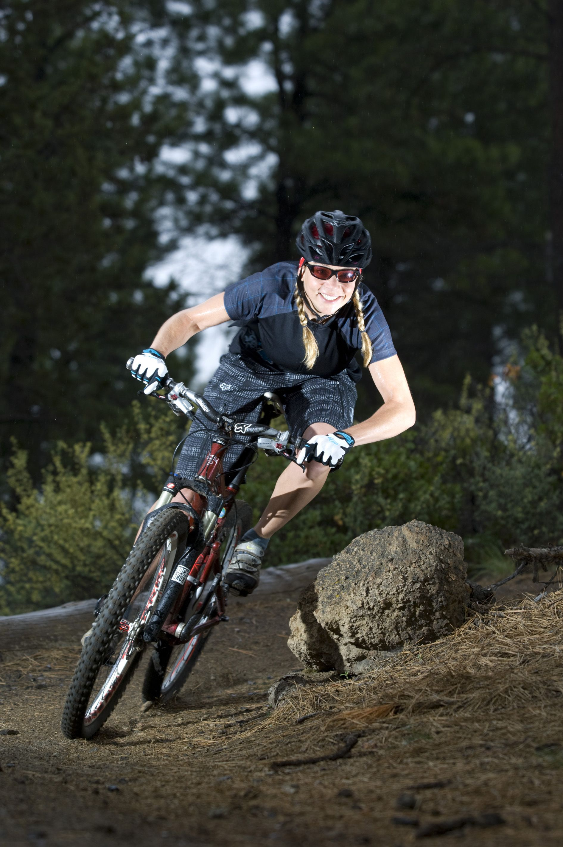 #mtb #enduro #bikegirls We love Fox for women! | Mountain ...