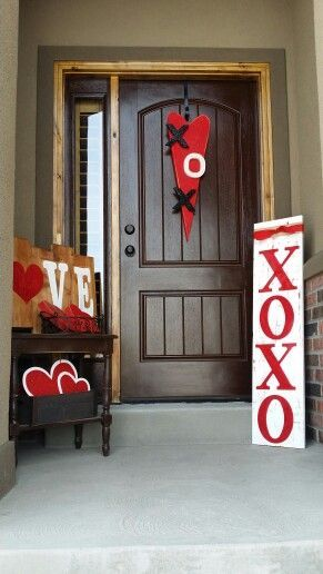 Valentines day porch decor