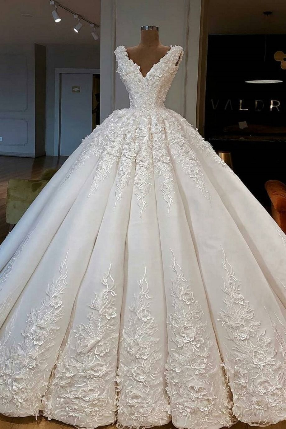 Photo of Charming Ball Gown💥