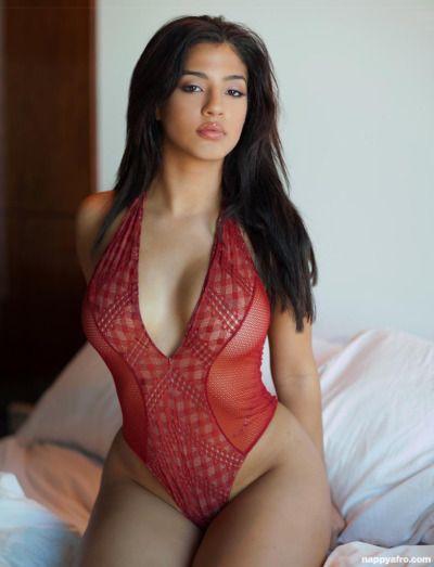 Brazilian Beauty Andreina Simet