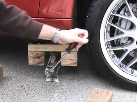 My lift stand great idea for lifting a car youtube for Self auto niortais garage automobiles niort